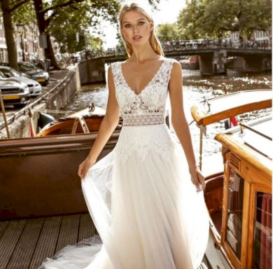 Dlouhé dokonalé svatební šaty s vlečkou