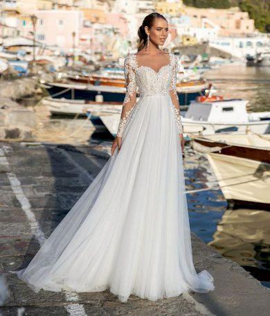 Elegantní bílé svatební šaty s krajkovaným vrškem s dlouhým rukávem