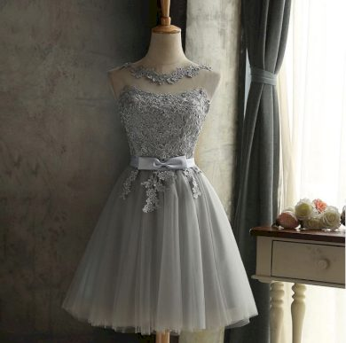 Luxusní dámské krátké elegantní společenské šaty s kamínky