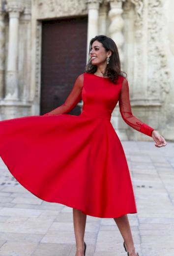 Luxusní plesové družičkovské šaty s dlouhým rukávem