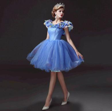 Perfektní dámské družičkovské šaty s puffer sukní
