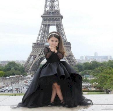 Černé nádherné delší dětské dívčí šatičky s volánkem