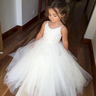 Společenské bílé nádherné dětské dívčí šaty SLEVA