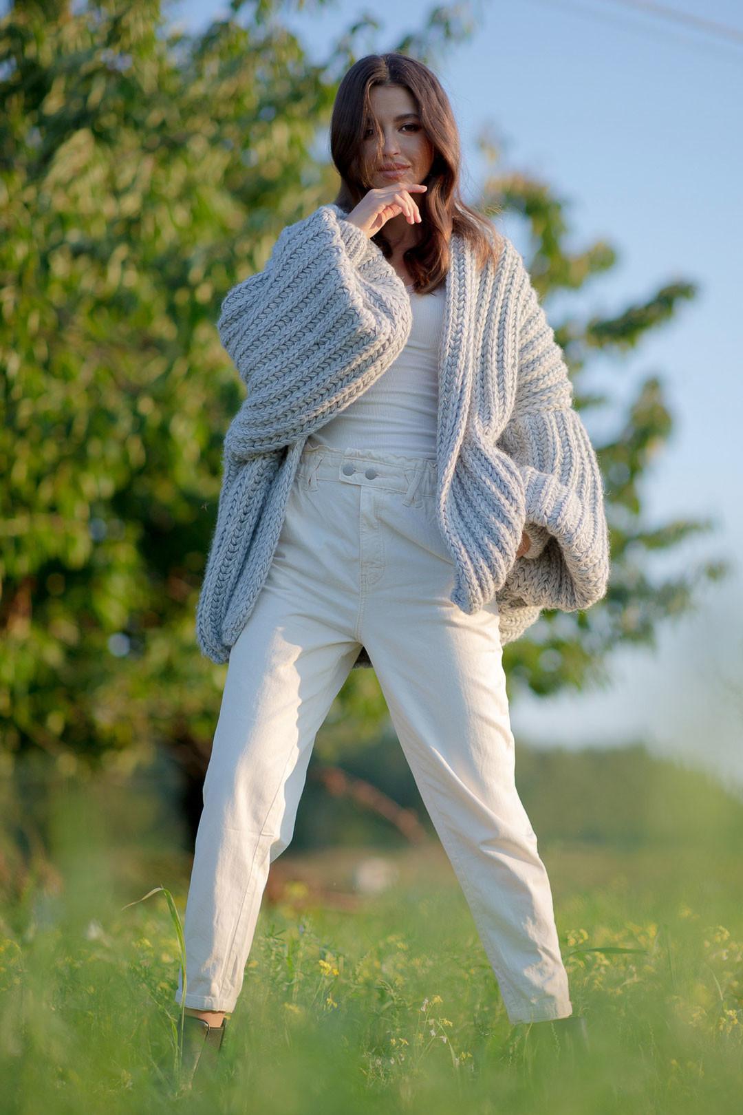 Huňatý velký svetr bez zapínání s alpakou