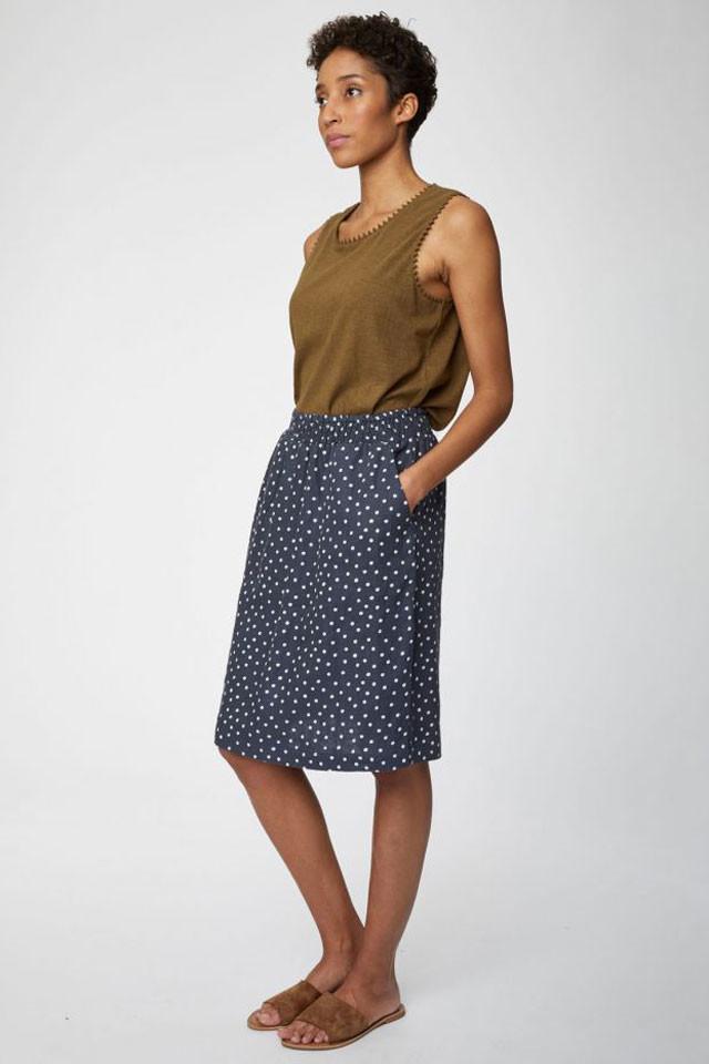 Dámská sukně s puntíky z konopí