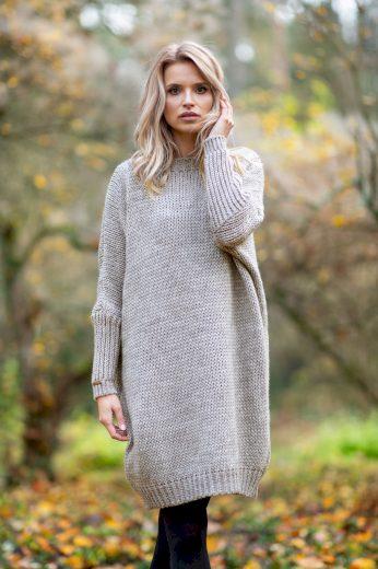 Svetrové šaty s vlnou na zimu