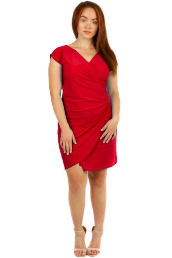 Dámské šaty se zavinovacím efektem - i pro plnoštíhlé