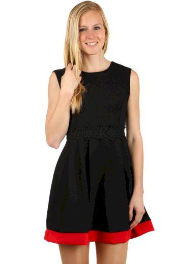 Krátké šaty s kontrastním lemem