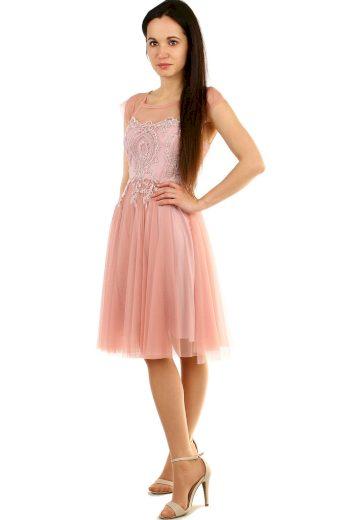 Společenské krajkové šaty s tylovou sukní
