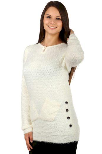 Teplý svetr z příjemného materiálu