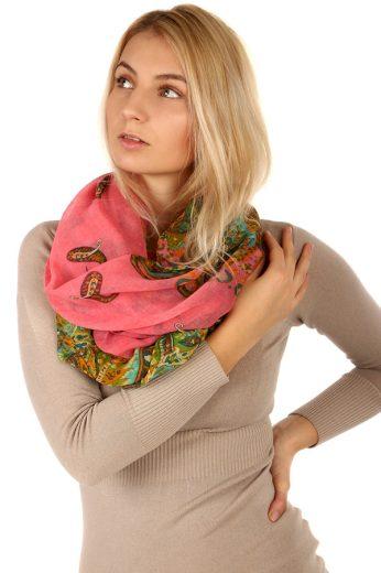 Kruhový šátek s nápaditým potiskem
