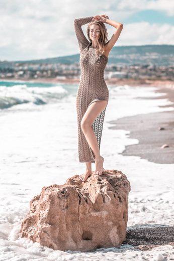 Pletené letní maxi šaty s rozparkem