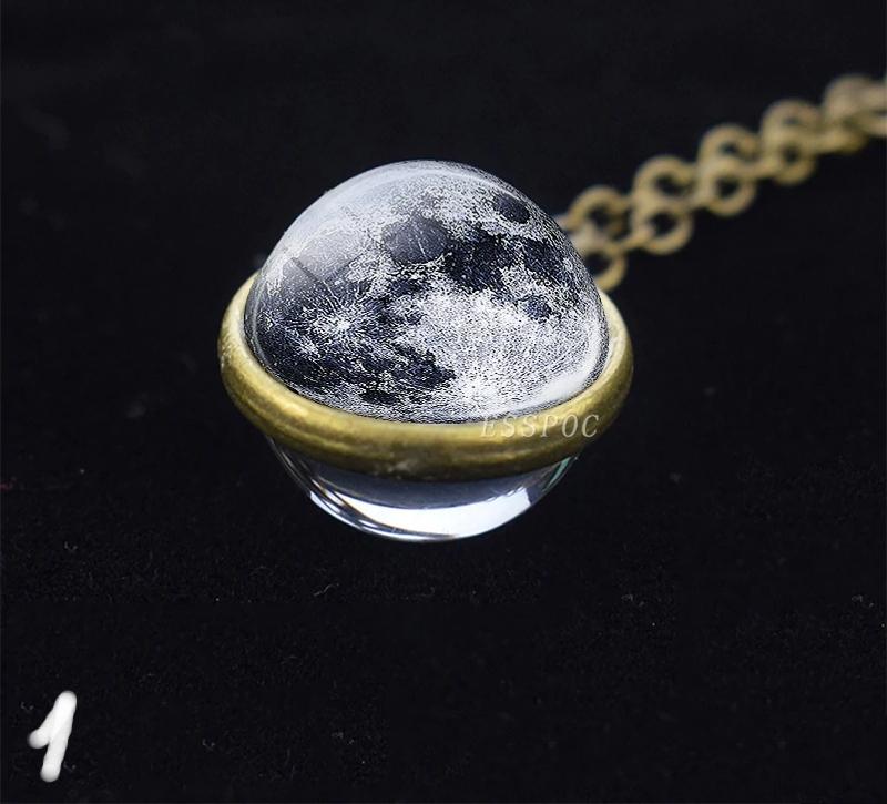 Vyjímečný masivní náhrdelník s přívěskem vesmír. 14 variant