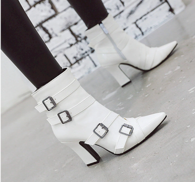 Černé kožené boty lakované bílé se zvířecím vzorem  hadí kůže