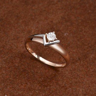 Zlatý asymetrický dvoubarevný prsten s nádherným diamantem