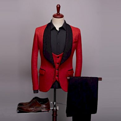 Trojdílný oblek společenský vzorované sako s ornamenty a kalhoty