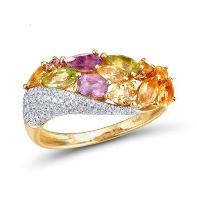 Masivní třpytivý prsten ze zlata s květinovým vzorem