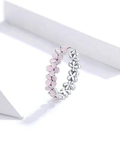 Jemný dámský prsten s růžovými květinami