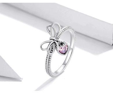 Vintážní stříbrný prsten mašle s příveskem ve tvaru srdíčka