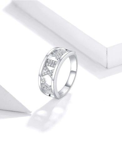 Masivní stříbrný prsten se zirkony a vzorem římské číslice