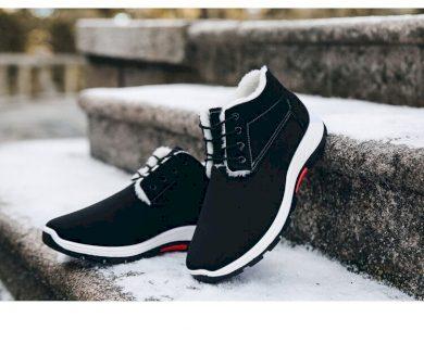 Pánské kotníkové boty ze semišu černé barvy s podšívkou