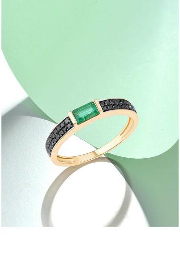 Originální prsten zdobený černými diamanty ze žlutého zlata