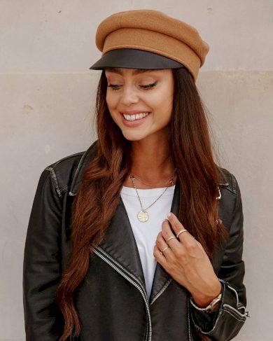 Dámská stylová čepice s koženým kšiltem vlněná kšilkofka