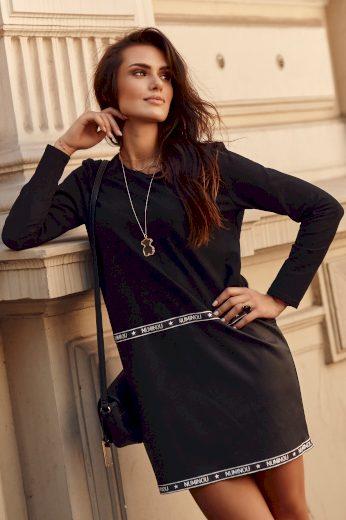 Černé mikinové mini šaty z ekokůže a ozdobnou stužkou