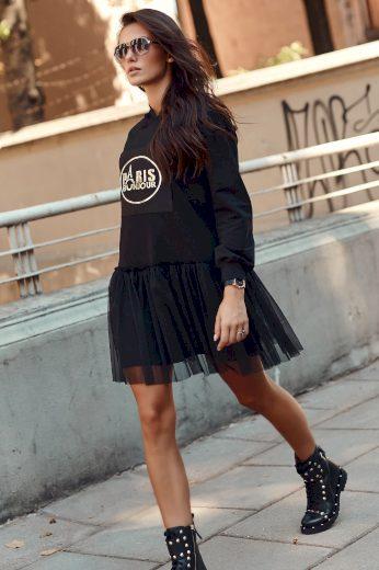"""Pletené Šaty s kapucí a tylovým volánkem a nápisem - """"Paris bonjour"""""""