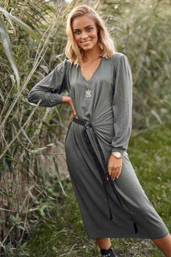 Volné dámské šaty s délkou pod kolena šaty s opaskem