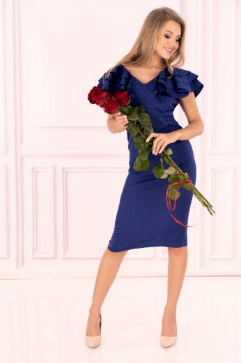 Pouzdrové šaty na společnost s volány