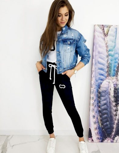 Skvělá džínová bunda se stylovými oděrkami
