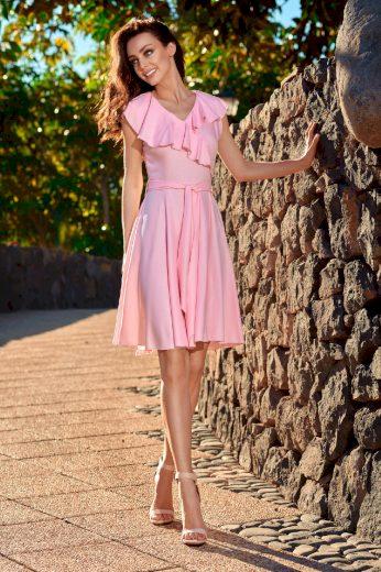 Lehké šaty s obalkovým výstřihem a volánky