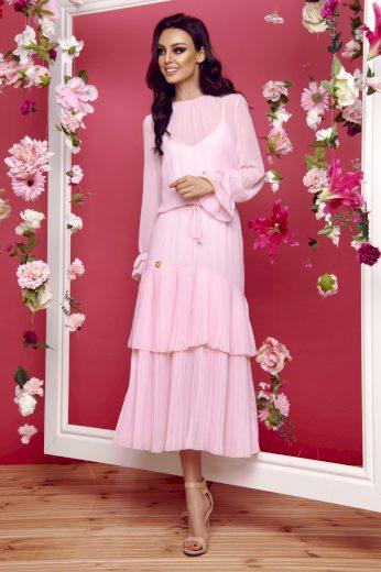 Maxi šaty s průhlednými rukávy a volánky ve stylu boho
