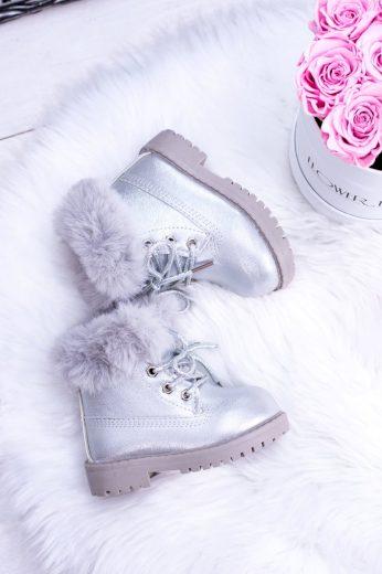 Stříbrné izolované dětské boty Trapery Fobos