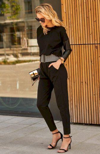 Černý overal dlouhý s koženými rukávy