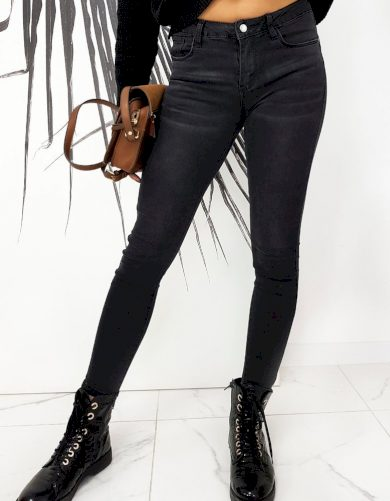 Klasické džíny úzkého střihu v černé barvě