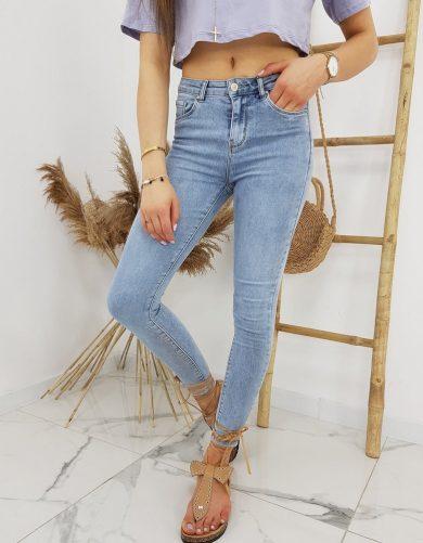 Úzké džíny s vyšším pasem