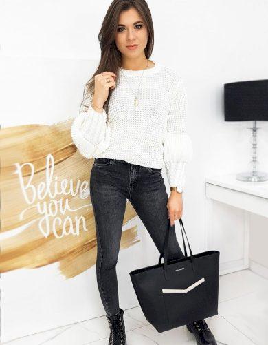 Růžový volný svetr s originálními rukávy