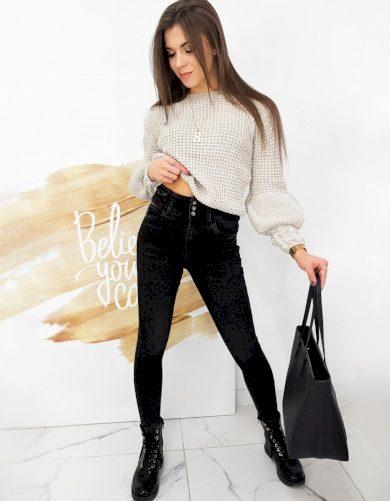 Úzké džíny v černé barvě na knoflíky