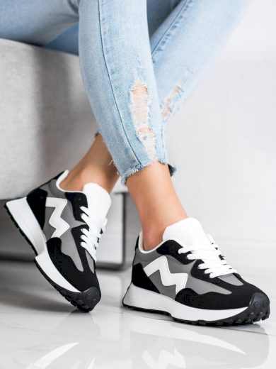 CASUAL SNEAKERSY