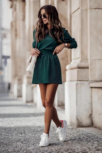Stylový jednobarevný komplet oversize mikina + áčková sukně
