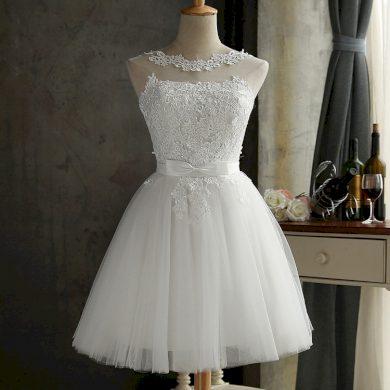 Krajkové společenské šaty FashionEU