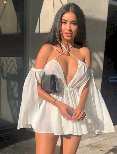 Mini šaty se zvonovými rukávy FashionEU