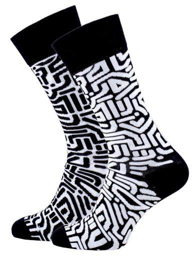 Veselé vzorované ponožky Maze černo-bílé