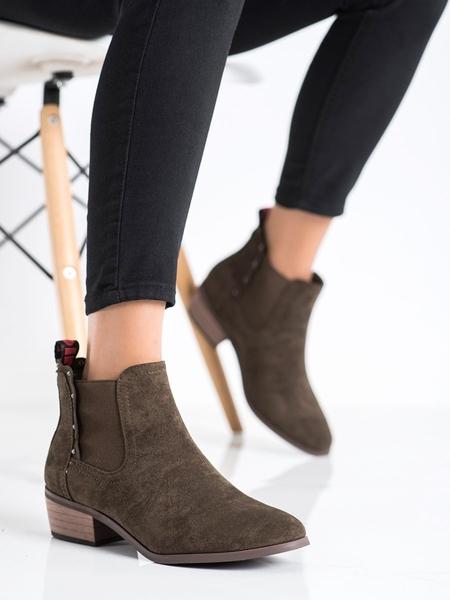 J. STAR Jedinečné dámské hnědé  kotníčkové boty na širokém podpatku velikost 36