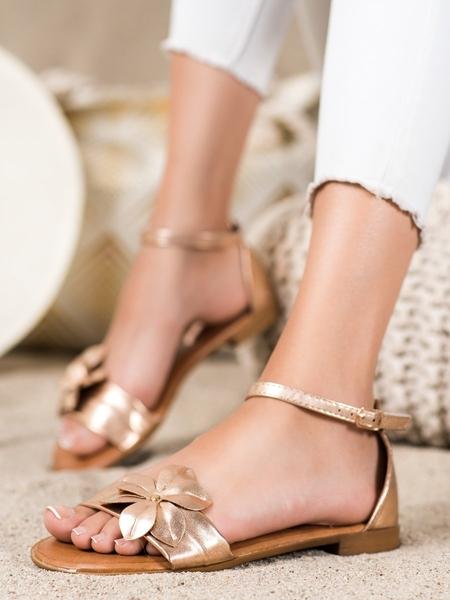 DIAMANTIQUE Exkluzívní zlaté  sandály dámské na plochém podpatku velikost 36