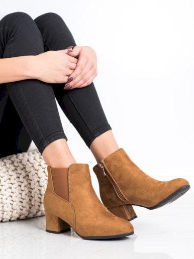 CLOWSE Zajímavé dámské  kotníčkové boty hnědé na širokém podpatku velikost 36