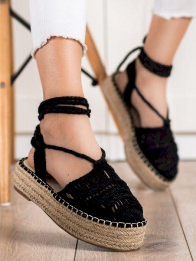 SMALL SWAN Praktické  sandály dámské černé bez podpatku velikost 37