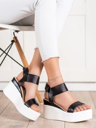 SMALL SWAN Komfortní dámské černé  sandály na klínku velikost 36